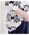 花の刺繍モチーフシャツトップス