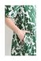 ふんわり袖のボタニカルワンピース
