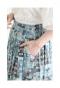 愛らしいドット模様のフレアスカート